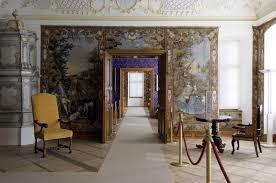 Immagine che contiene pavimento, interni, stanza, vivendo  Descrizione generata automaticamente