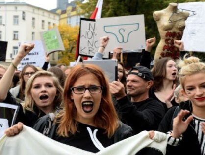 """""""Mi fa male l'utero quando vi guardo"""". La Polonia e il diritto d'aborto"""