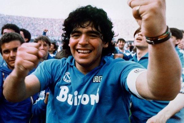 Ciao Diego Armando, anche le donne parlano di calcio